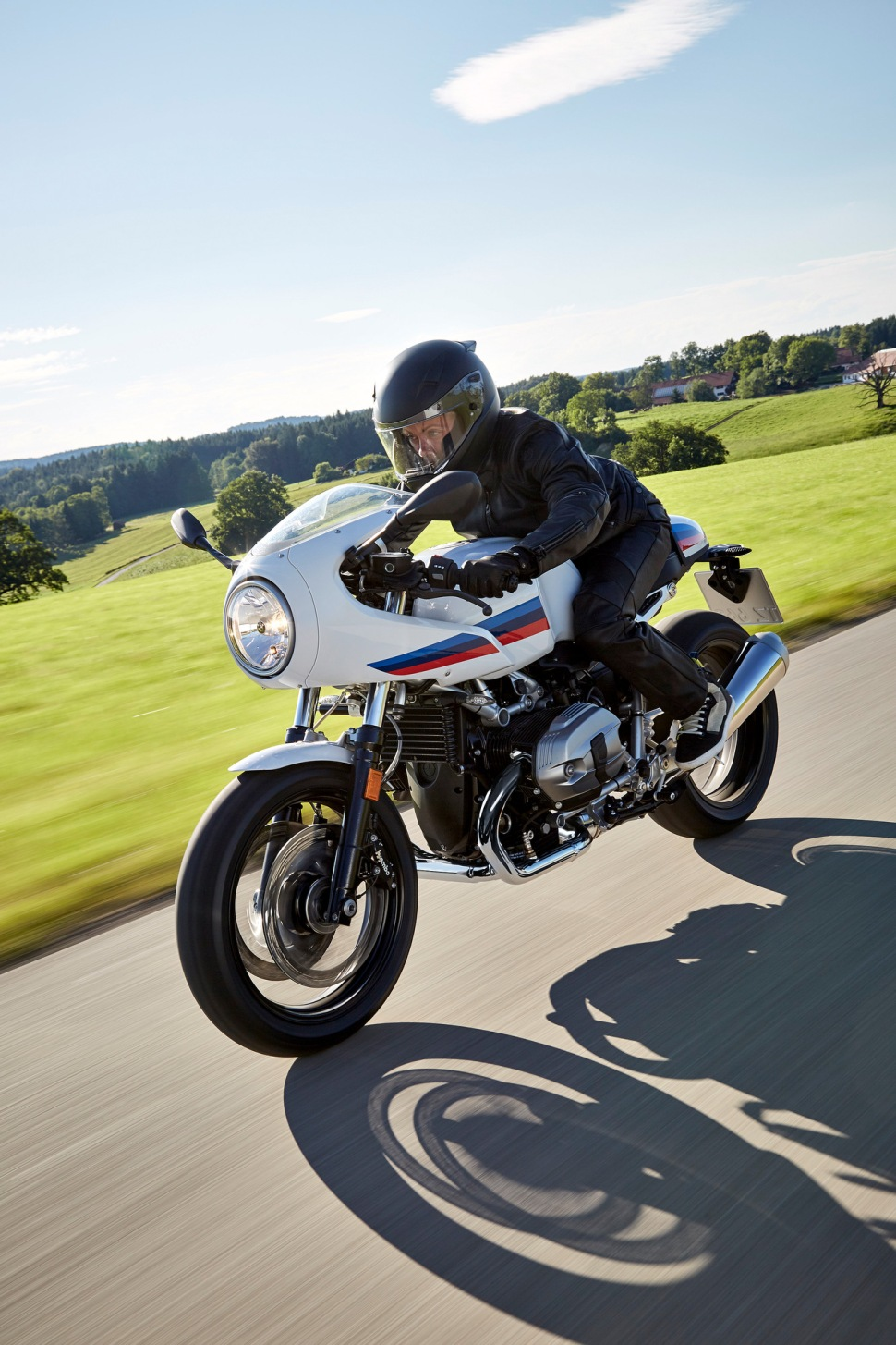 p90232563_highres_the-new-bmw-r-ninet