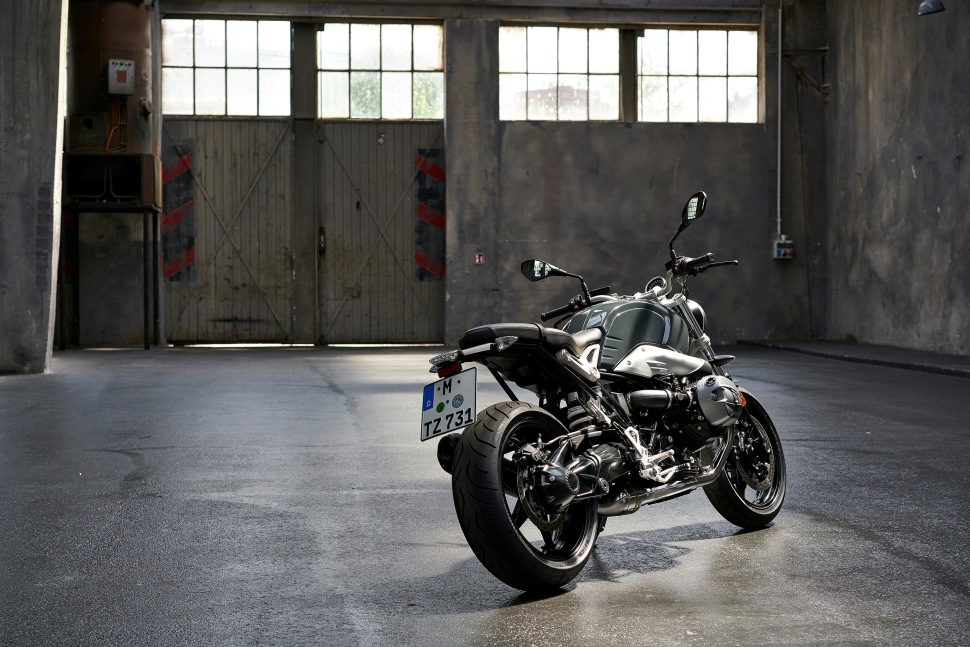 p90232693_highres_the-new-bmw-r-ninet