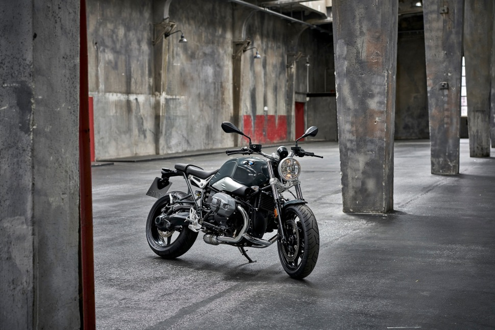 p90232701_highres_the-new-bmw-r-ninet