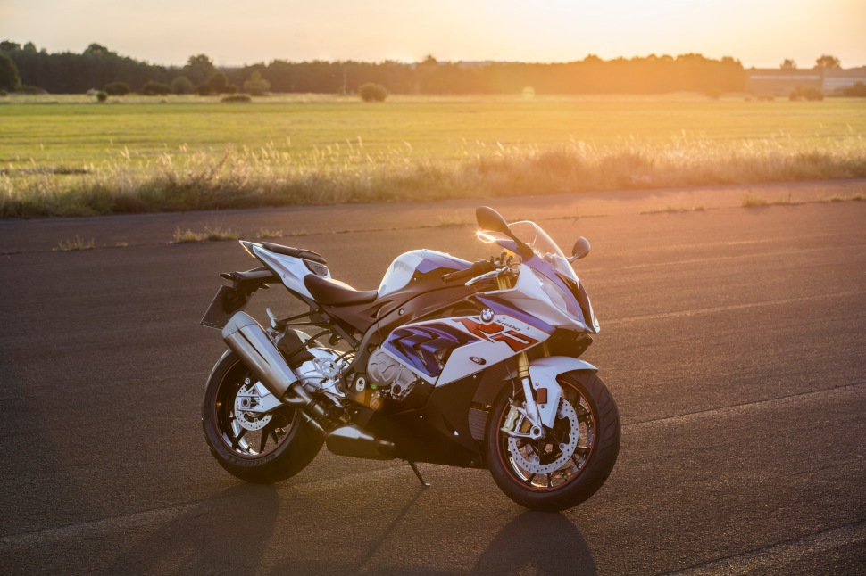 p90234024_highres_bmw-s-1000-rr-10-201