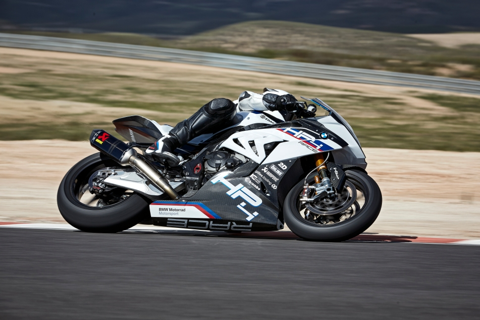 P90254386_highRes_bmw-hp4-race-04-2017