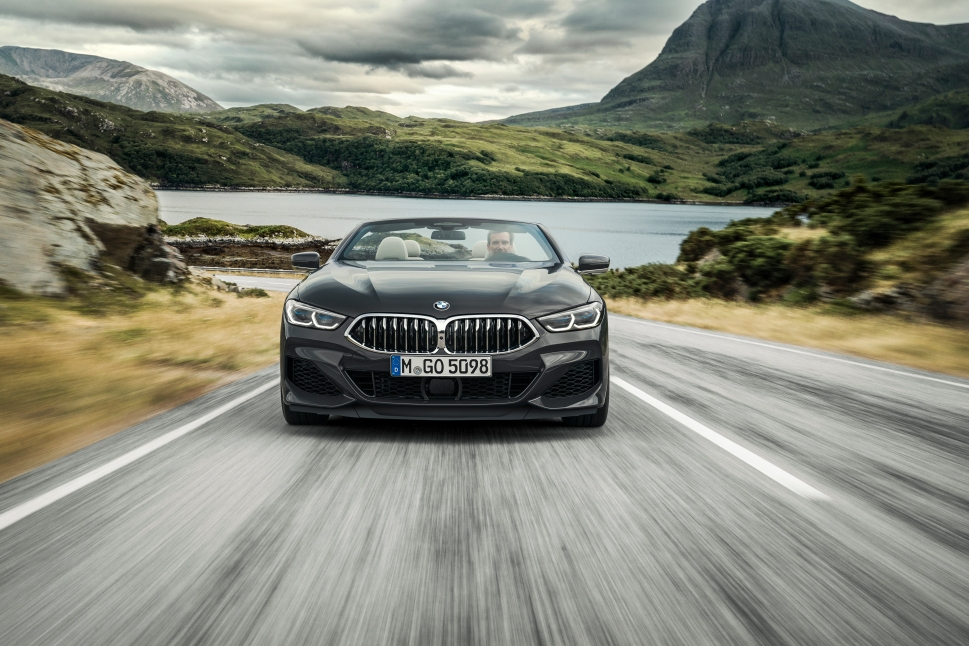 P90327630_highRes_the-new-bmw-8-series