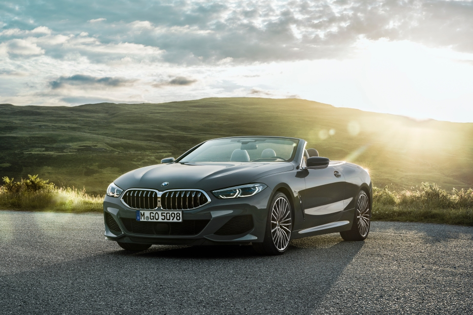 P90327648_highRes_the-new-bmw-8-series