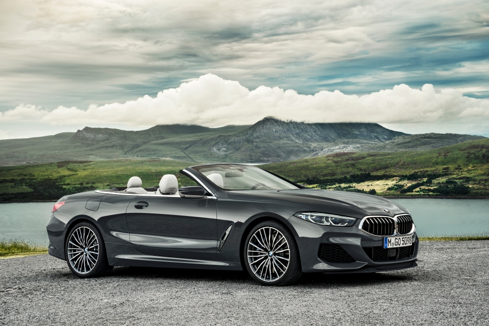 P90327652_highRes_the-new-bmw-8-series