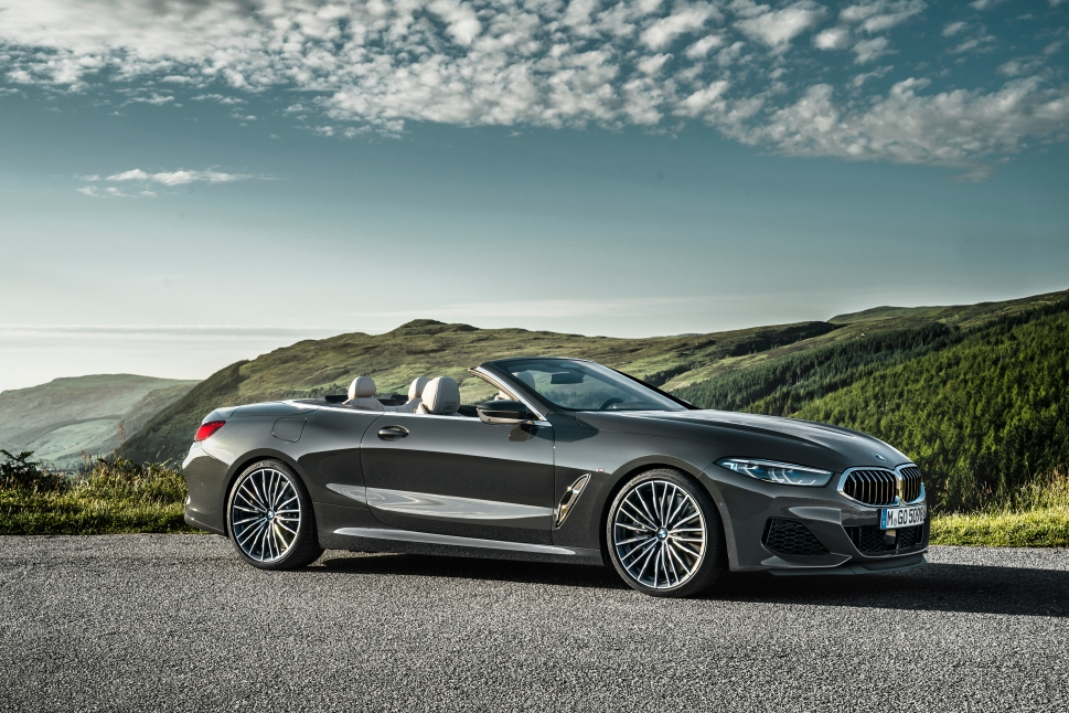P90327653_highRes_the-new-bmw-8-series