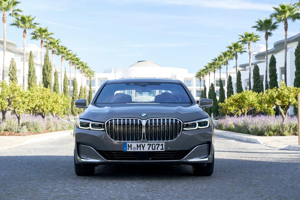 BMW 750Li xDrive_01