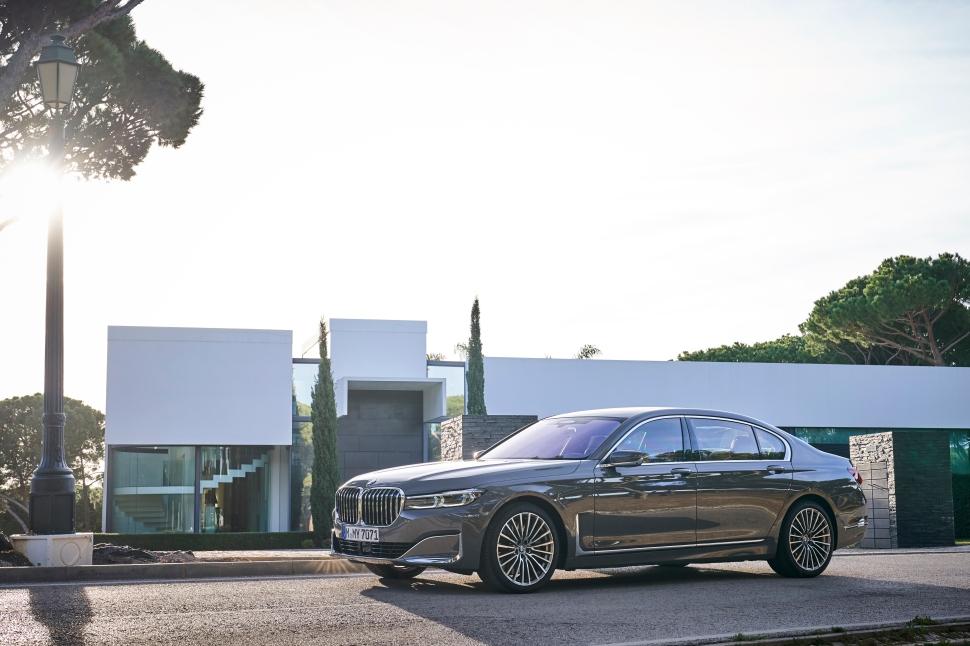 BMW 750Li xDrive_16