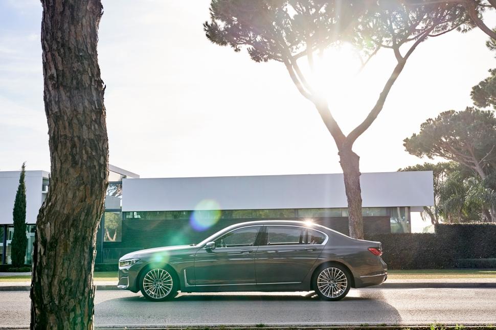 BMW 750Li xDrive_20