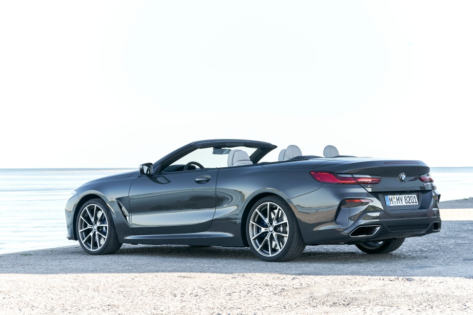 BMW M850i xDrive Convertible_02