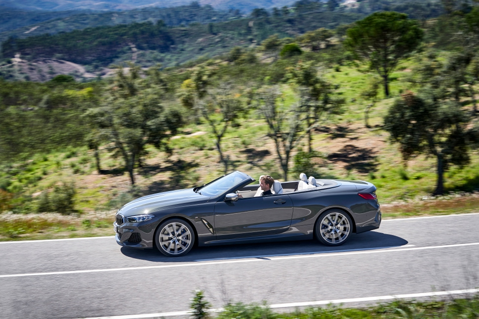 BMW M850i xDrive Convertible_31