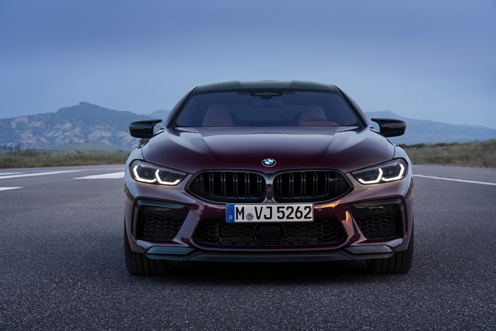P90369558_highRes_the-new-bmw-m8-gran-