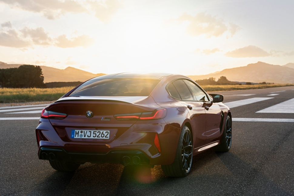 P90369564_highRes_the-new-bmw-m8-gran-