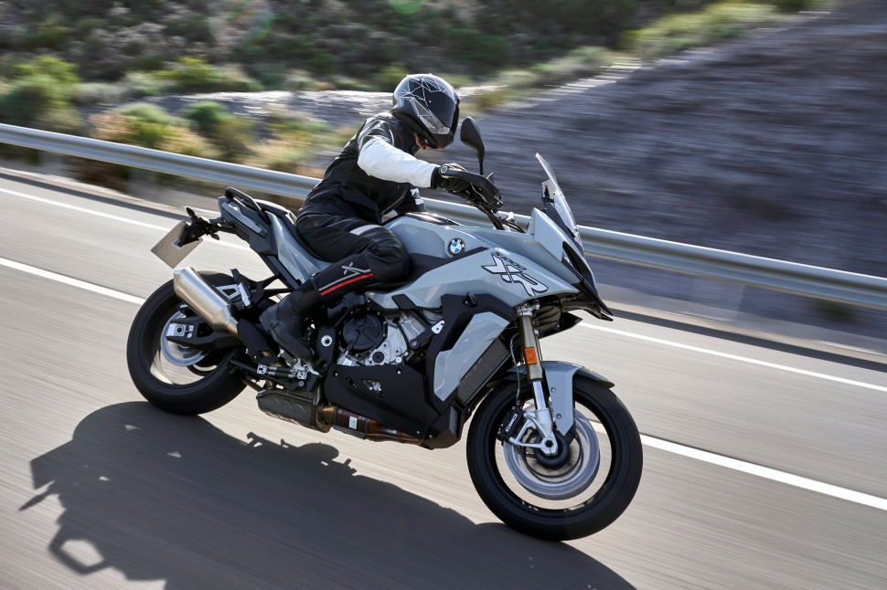 BMW_S1000XR_action_006