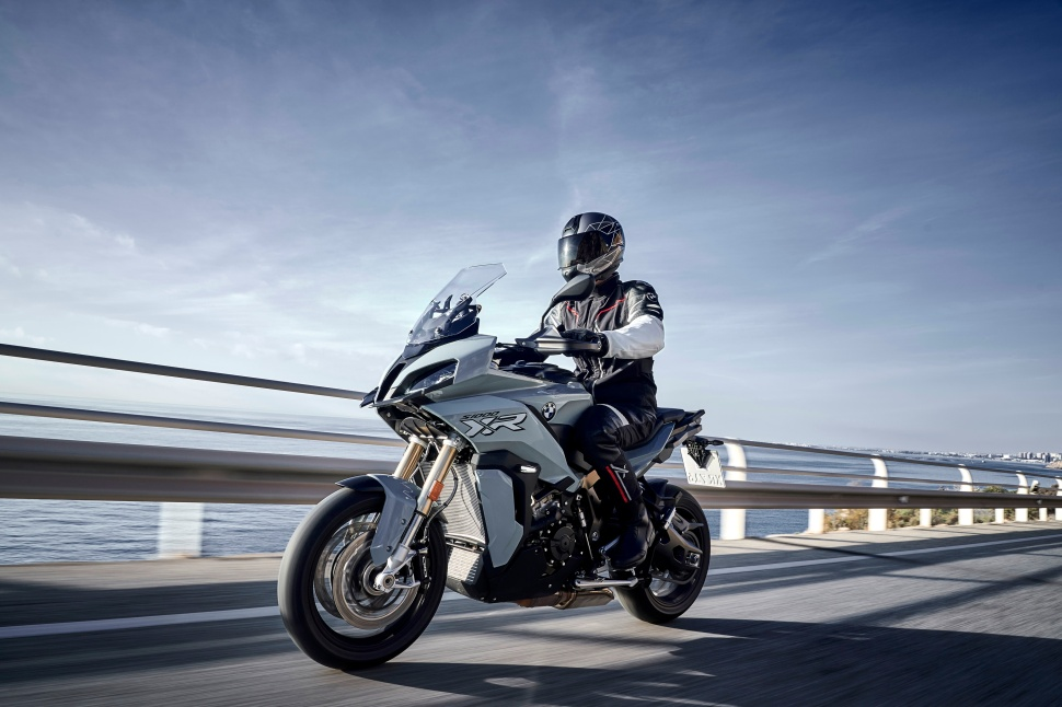 BMW_S1000XR_action_015