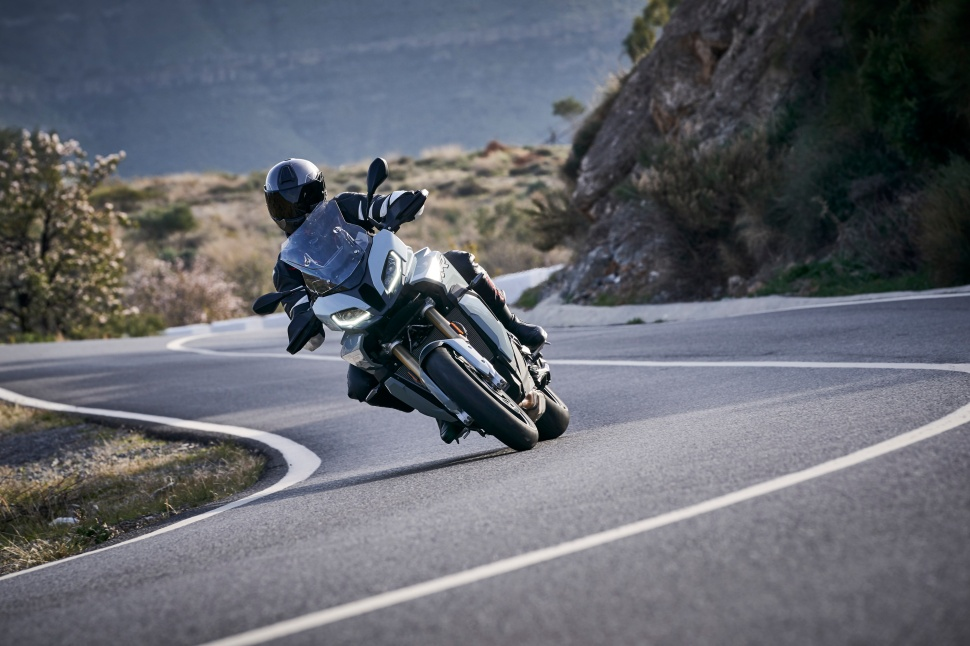 BMW_S1000XR_action_037