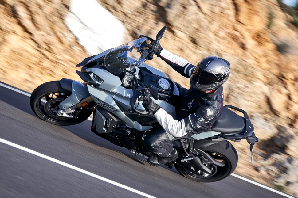 BMW_S1000XR_action_055