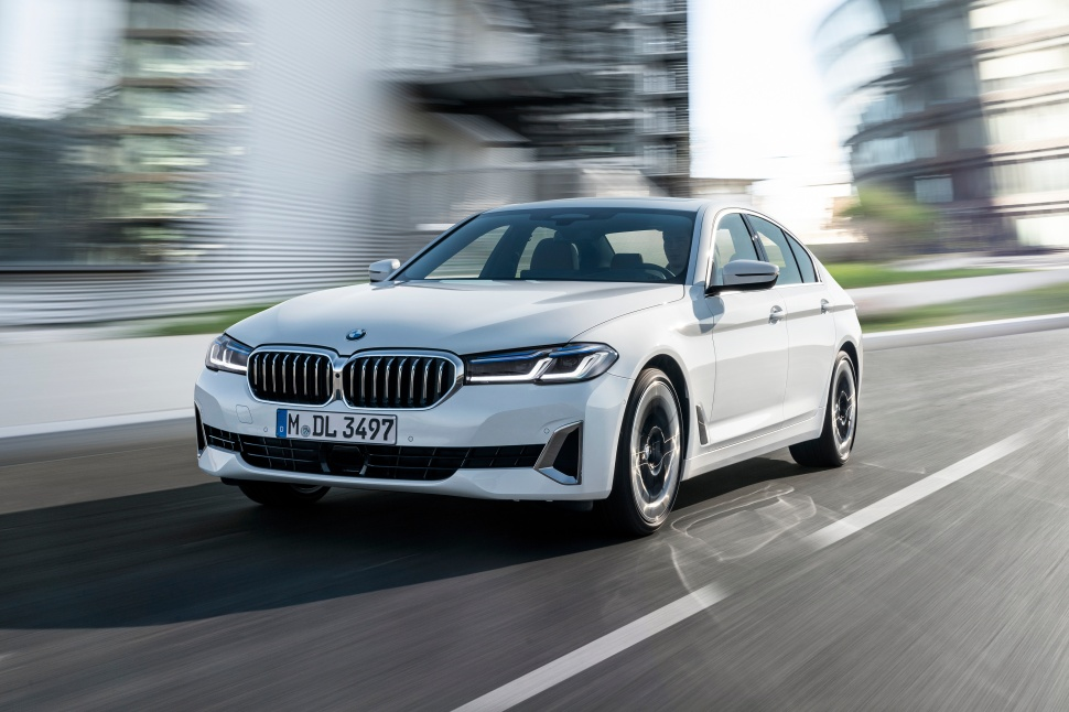 P90389053_highRes_the-new-bmw-540i-sed
